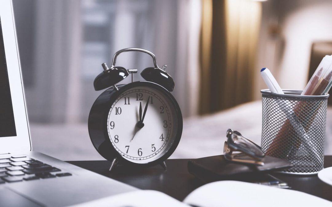 maximize time desk clock